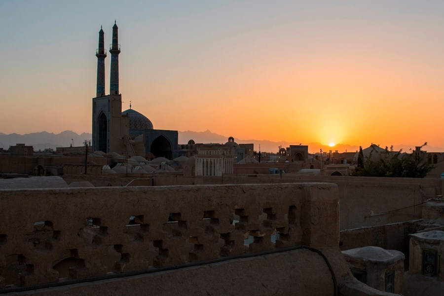 Solnedgang over Yazd. Foto Karin Reif