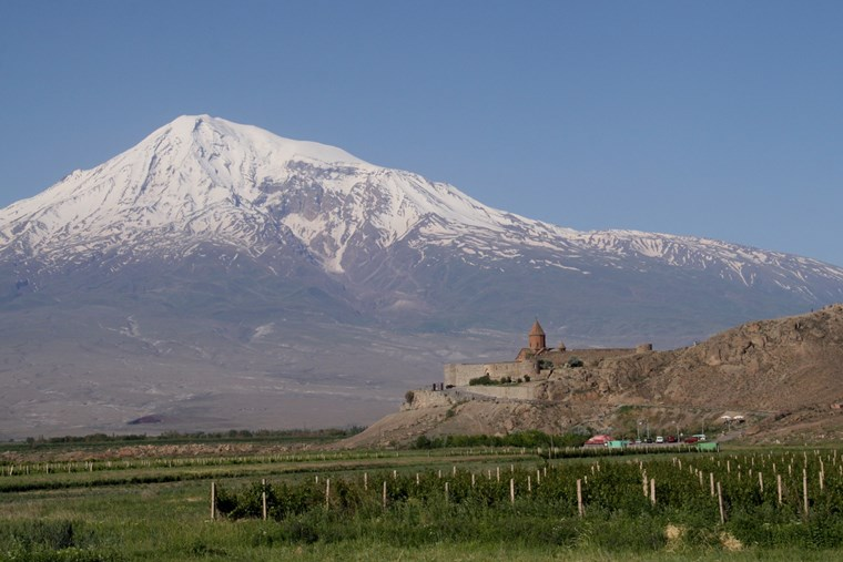 Ararat er et nationalt symbol for det armenske folk. Foto Claus Bech